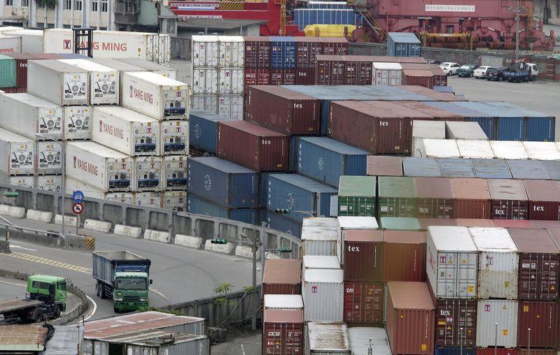 Taiwan export orders growth underwhelms on smartphones