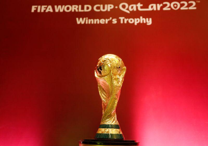 Clubes dizem que Copa do Mundo bienal teria