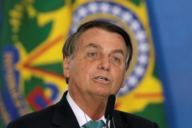 Bolsonaro credita crise energética no país a mudanças climáticas