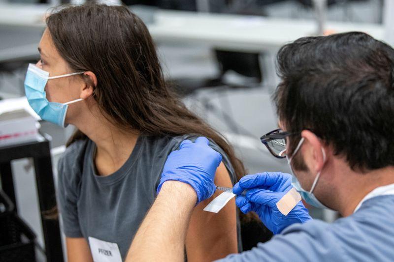 États-Unis: Biden oblige les sous-traitants de l'Etat fédéral à se vacciner contre le COVID-19