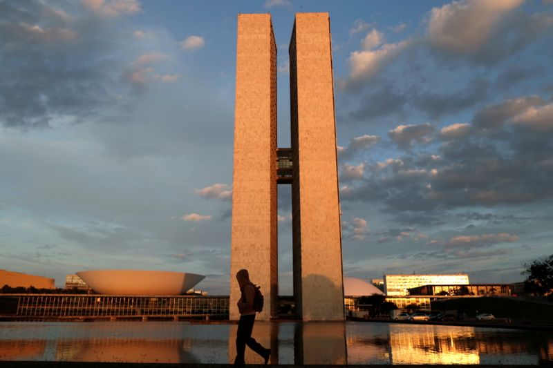 Aprovar reforma do IR neste ano é peça importante para colocar de pé Auxílio Brasil, diz Funchal