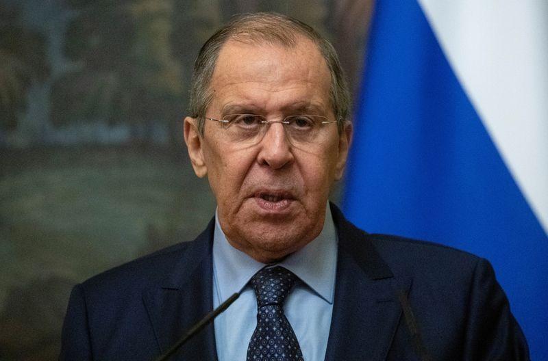 لافروف يقول مالي طلبت من شركة عسكرية روسية خاصة مساعدتها ضد المتمردين