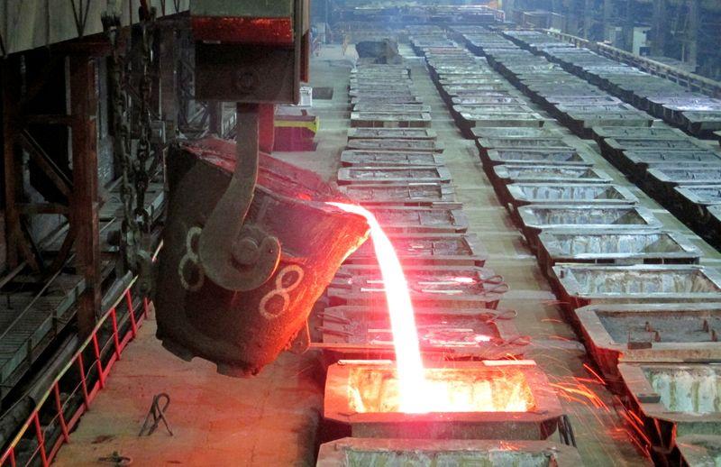 METALES BÁSICOS-Crisis energética de China golpea al níquel y al estaño; cobre sube