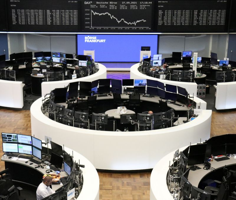 European shares fall 2% to one-week lows on tech tumble, China woes