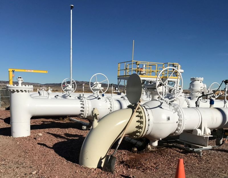 Tallgrass to track, measure emissions on U.S. interstate natgas pipeline