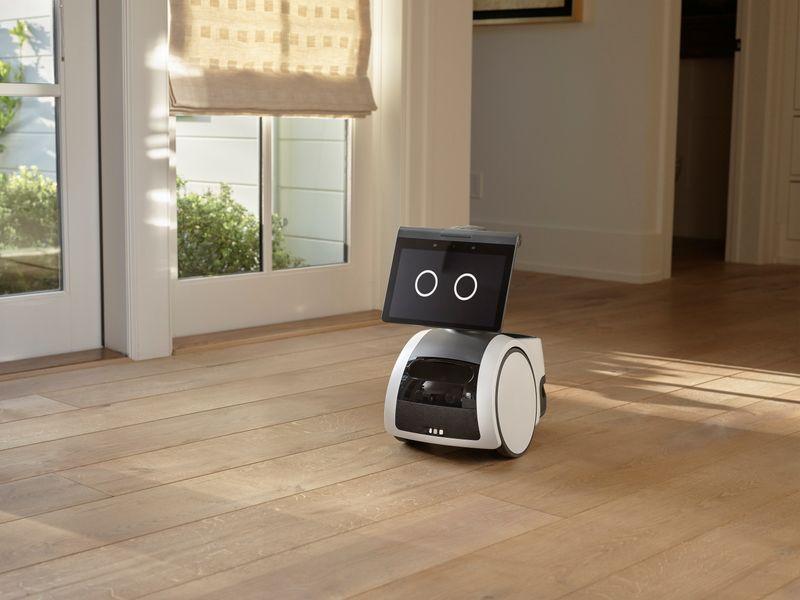 アマゾンが家庭用小型ロボット、音声支援機能普及でディズニーと提携