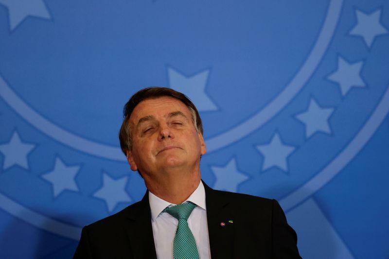Bolsonaro diz que economia brasileira foi a que menos sofreu na pandemia