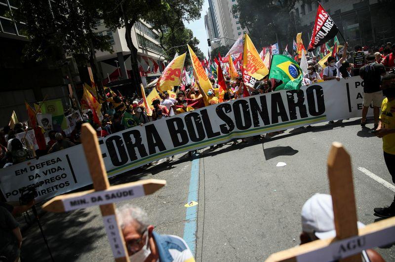 Protestos pelo país reclamam de alta dos preços e pedem impeachment de Bolsonaro