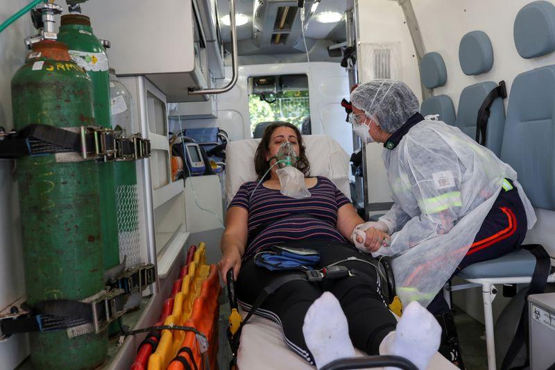 Brasil registra 9.004 novos casos e mais 225 mortes por Covid