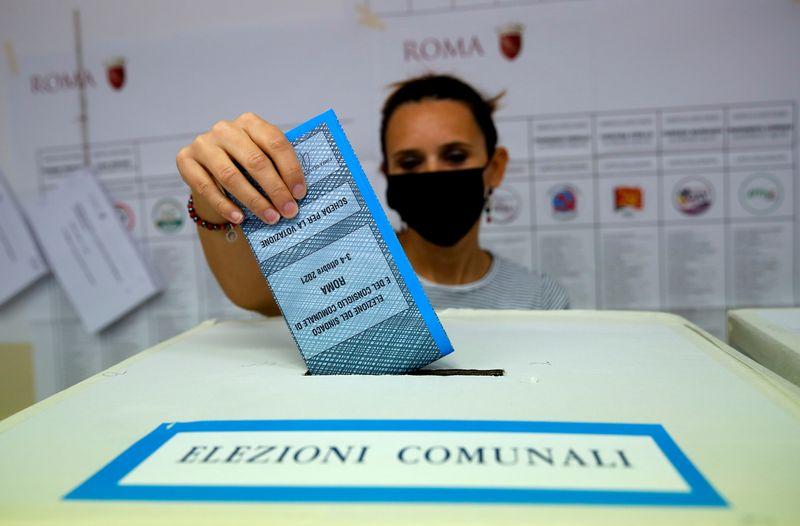 Centro-esquerda vence eleições municipais na Itália