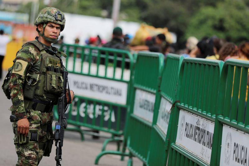 Venezuela vai reabrir fronteira com Colômbia após quase 3 anos