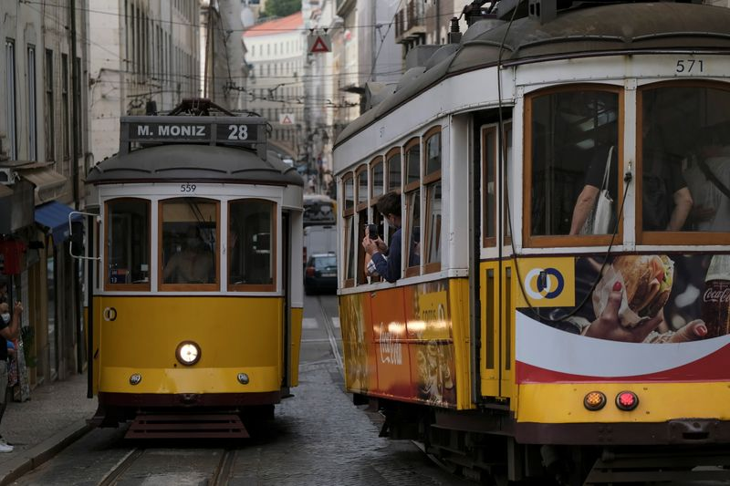 Portugal dará vacina contra Covid-19 de reforço a adultos mais velhos