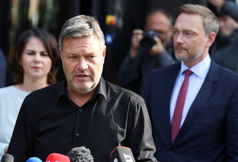 Após reuniões com SPD e conservadores na Alemanha, Verdes e FDP avaliam próximos passos