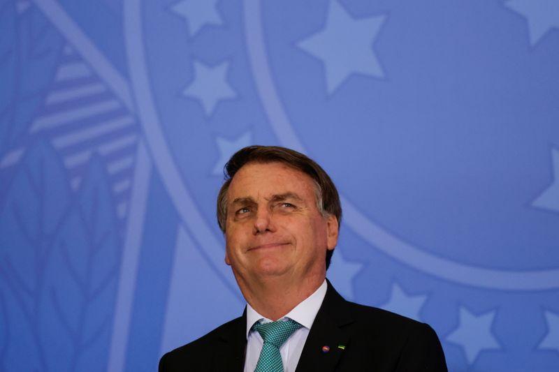 AGU diz ao STF que Bolsonaro quer depor presencialmente em inquérito sobre  interferência na PF