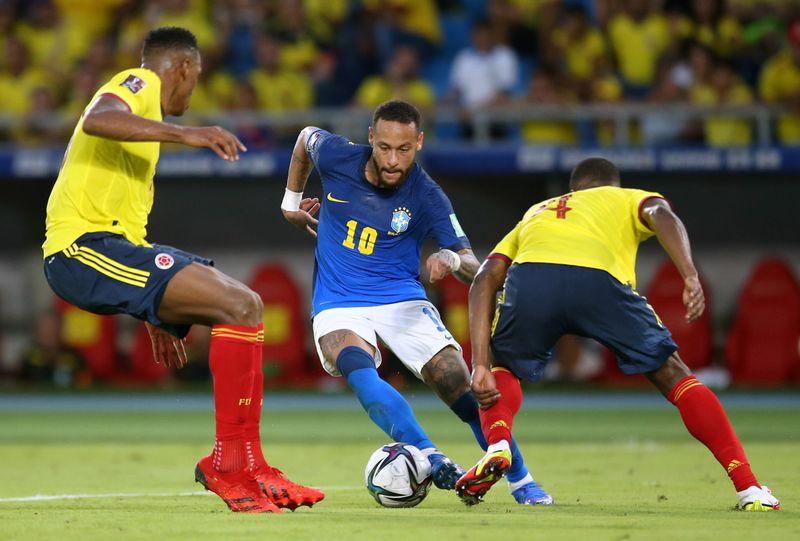 Colômbia encerra sequência de vitórias do Brasil em empate por 0 x 0