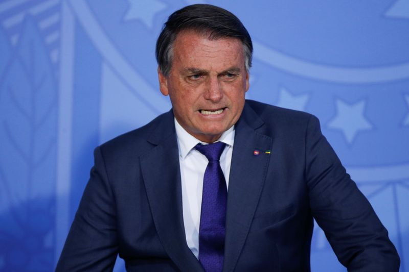 Moraes prorroga por 90 dias inquéritos de milícia digital e suposta interferência de Bolsonaro na PF