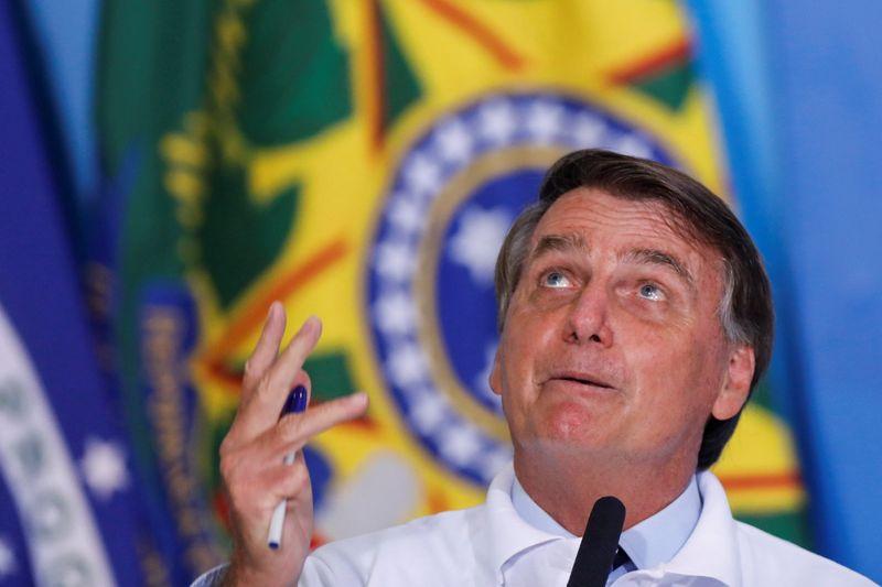 Questionado sobre crise hídrica, Bolsonaro diz que ligou para São Pedro