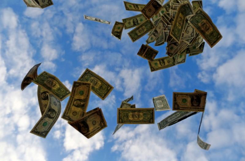 Dólar desciende desde máximos de un año tras dato de inflación EEUU