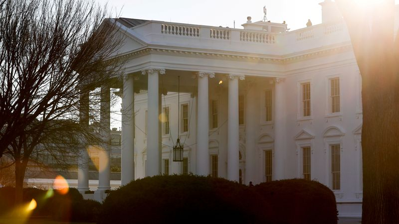 White House asks U.S. oil-and-gas companies to help lower fuel costs -sources