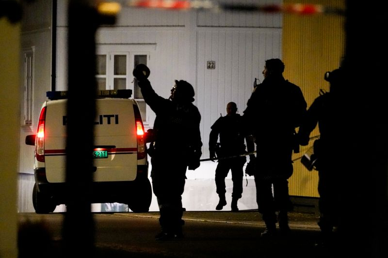 Homem mata várias pessoas na Noruega em ataque com arco e flecha, diz polícia