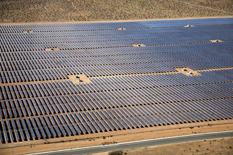 U.S. solar group seeking tariffs refuses to reveal its members