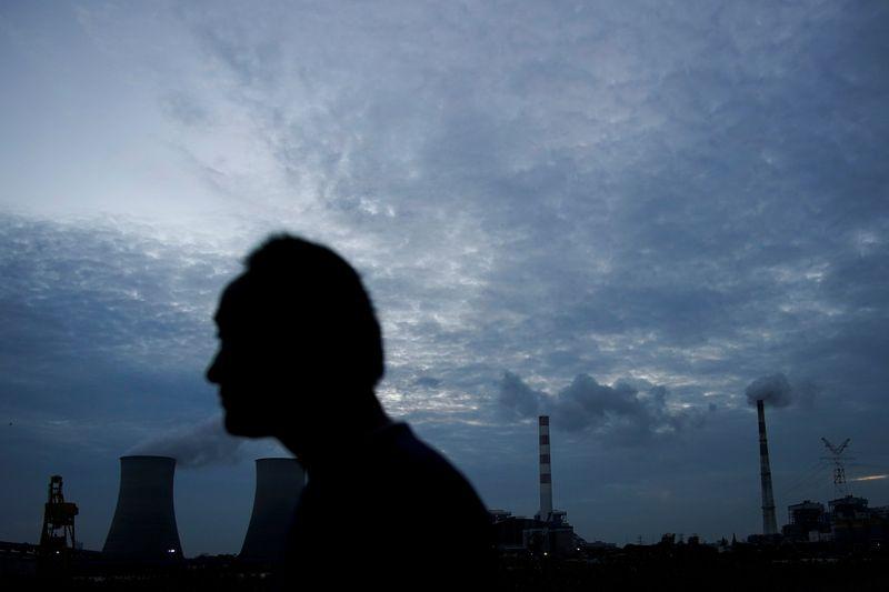 Kesengsaraan listrik China dapat memburuk karena permintaan melonjak di tengah kelambatan pasokan batubara