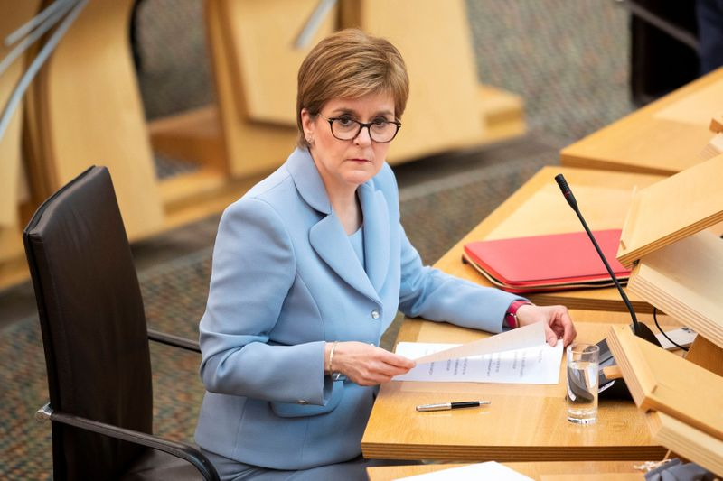 Scottish leader in talks to form pro-independence parliamentary majority