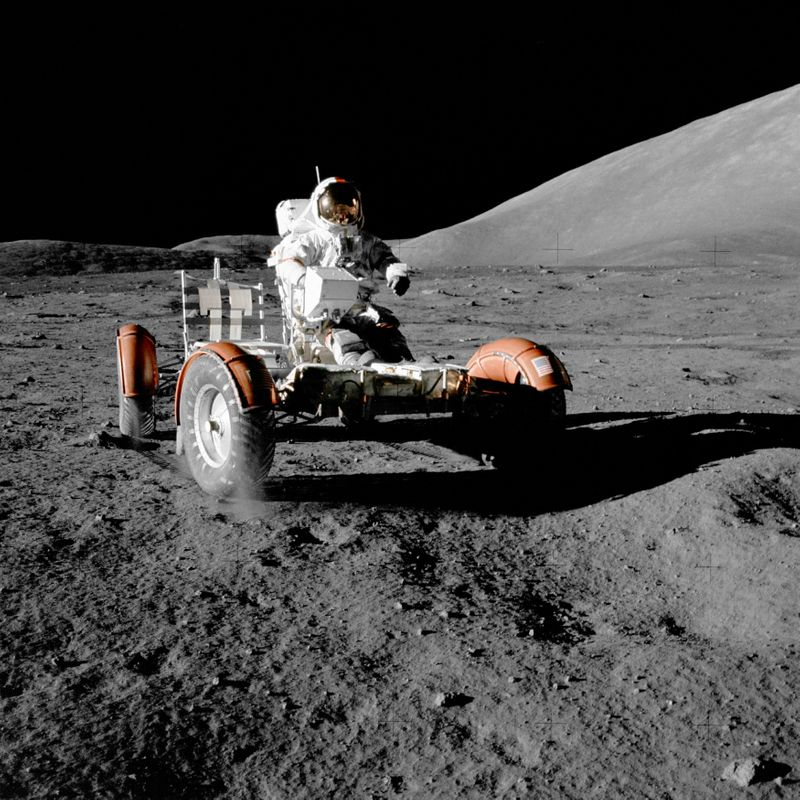 U.S firms GM, Lockheed aim for the moon with lunar rover venture