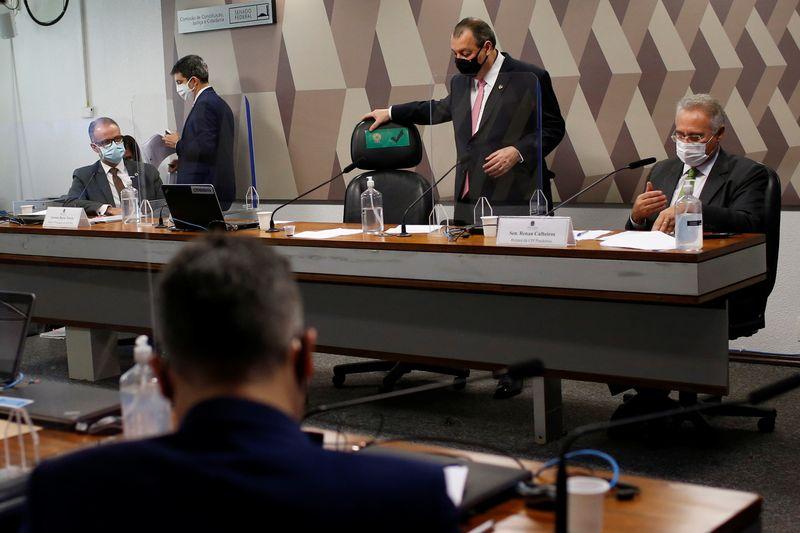 CPI aprova convocação de 9 governadores e ex-governador do RJ
