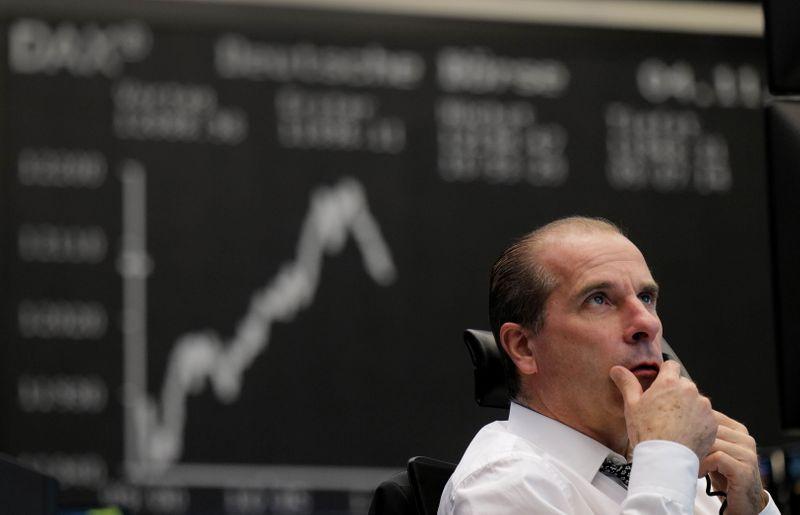 Les Bourses européennes marquent le pas, Wall St monte