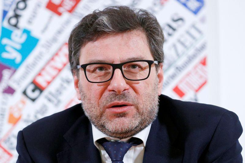 Nuova Alitalia operativa prima possibile, ragionevolmente ad agosto - Giorgetti