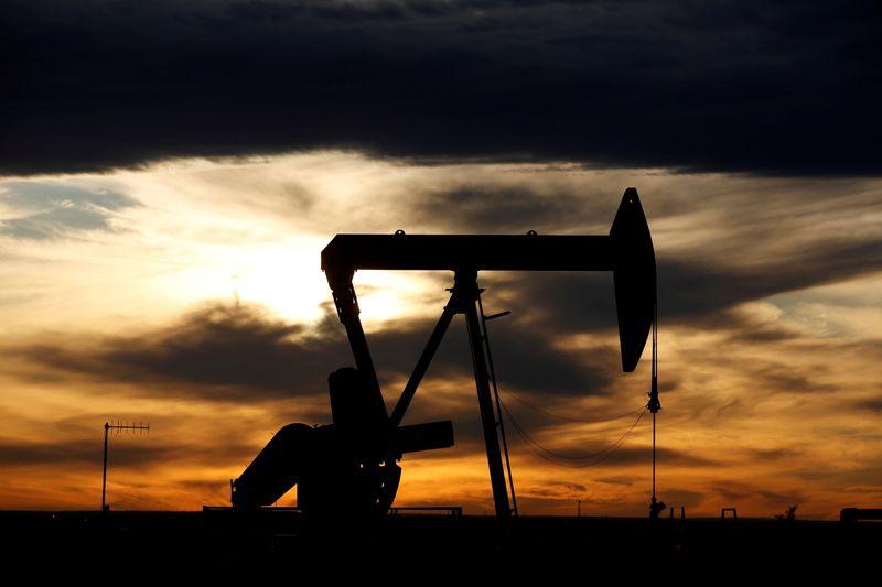 Petróleo recua com preocupações por possível retorno do Irã ao mercado