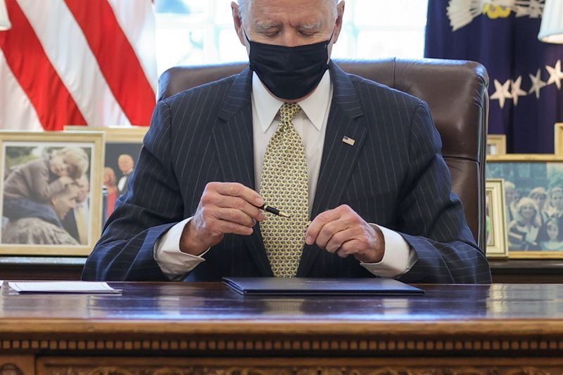 U.S. lawmakers probe Kabbage, BlueVine and partner banks over pandemic loans -letters