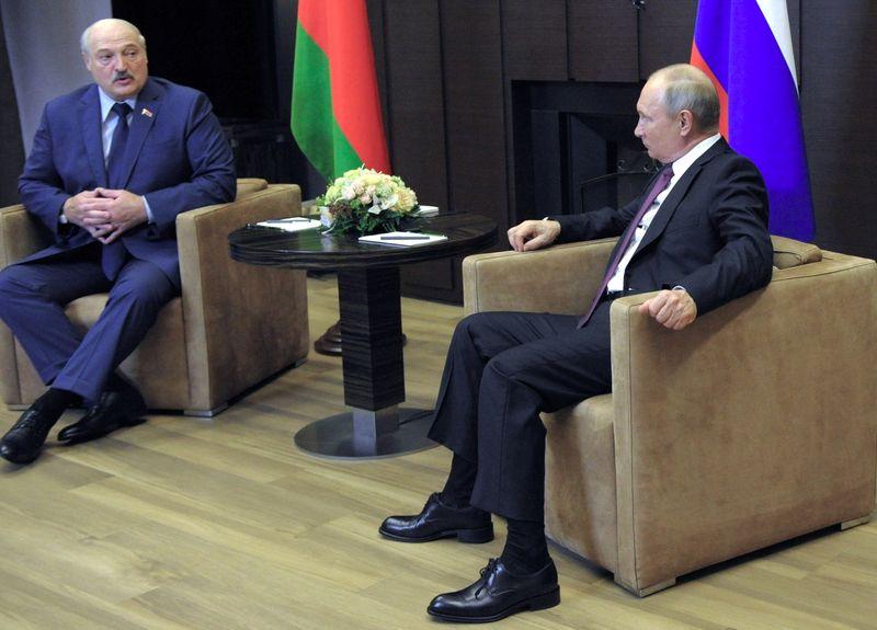 Russia promette di difendere Bielorussia in caso di sanzioni Ue - agenzia Ria