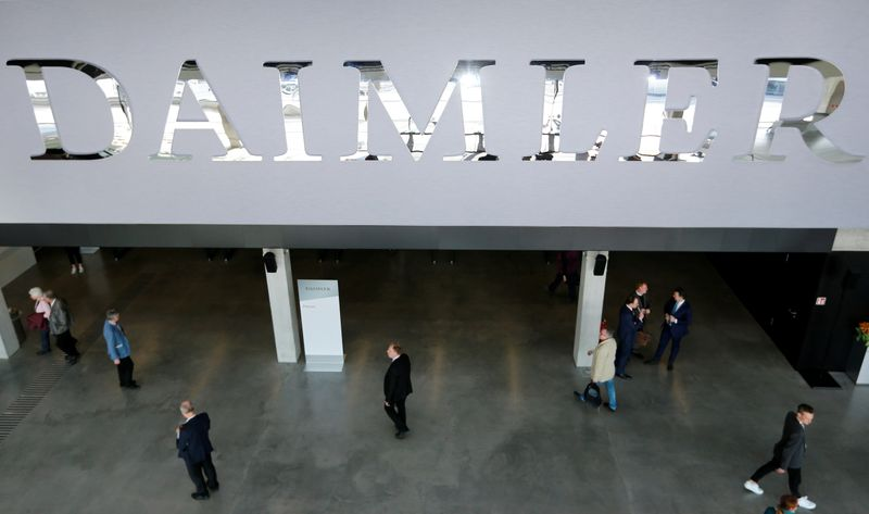Daimler to pay Nokia patent fees, ending German legal spat