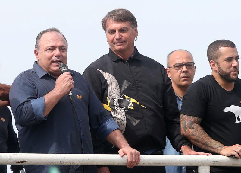 ANÁLISE-Ato político com Pazuello coloca Bolsonaro em choque com líderes do Exército
