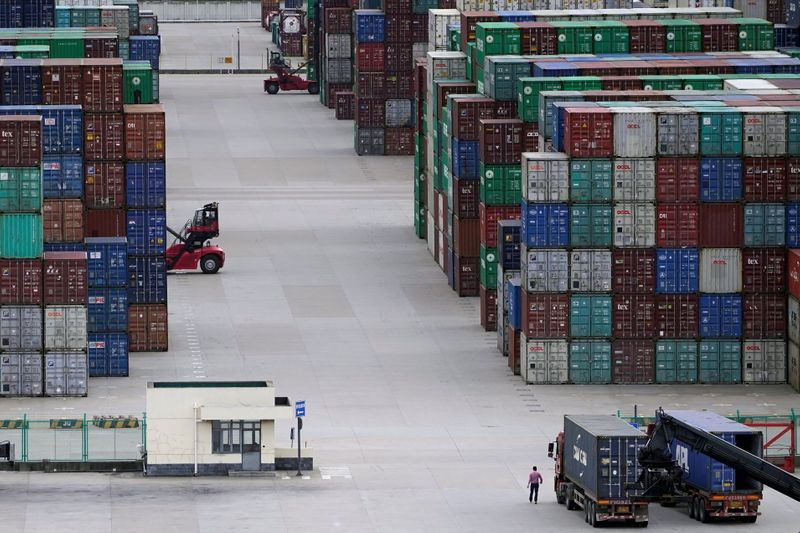 China's exports, imports seen maintaining strong momentum - Reuters poll