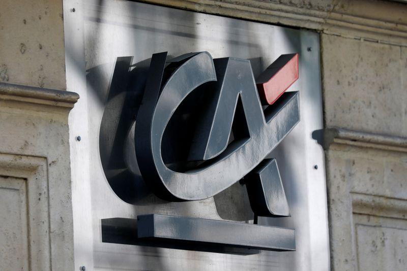 Crédit Agricole va lancer un programme de rachats d'actions de 560 millions d'euros