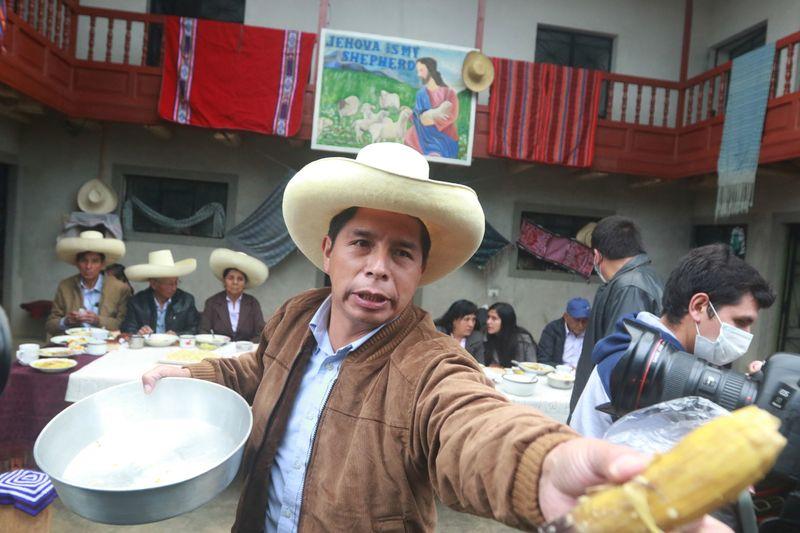 Peru's sol, stocks plunge as Castillo overtakes Fujimori in close election