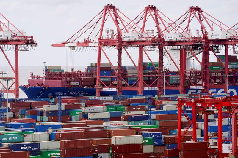Importações da China crescem no ritmo mais forte em uma década em maio