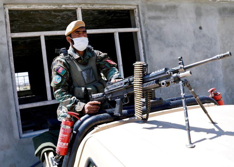 Plus de 150 soldats afghans tués ou blessés en 24 heures