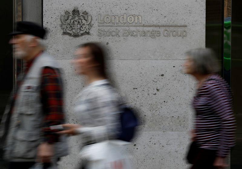Petite hausse en Europe grâce à la reprise mais Wall Street recule