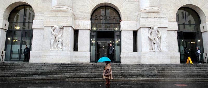 Borsa Milano in lieve rialzo, attesa dati, svettano Webuild e Nexi, giu' Autogrill