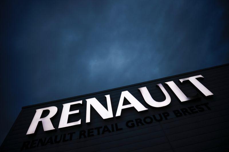 Renault: Un pôle plus compétitif pour produire 400.000 voitures électriques