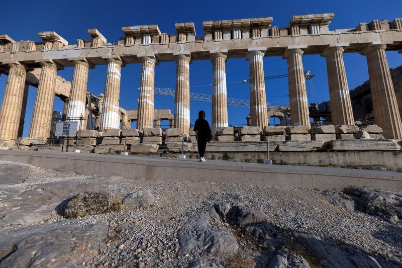 Sur l'Acropole d'Athènes, un nouveau sentier sème la discorde