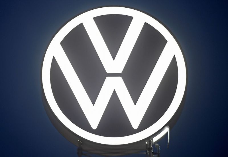 Volkswagen to get $351 million in dieselgate settlement with former execs