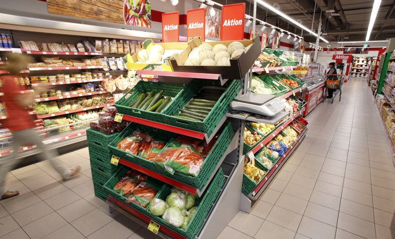 Global food import costs to surge 12% to record this year -FAO