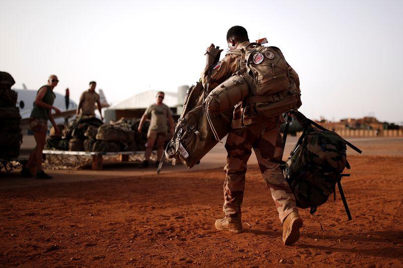 Macron annonce la fin prochaine de l'opération Barkhane au Sahel