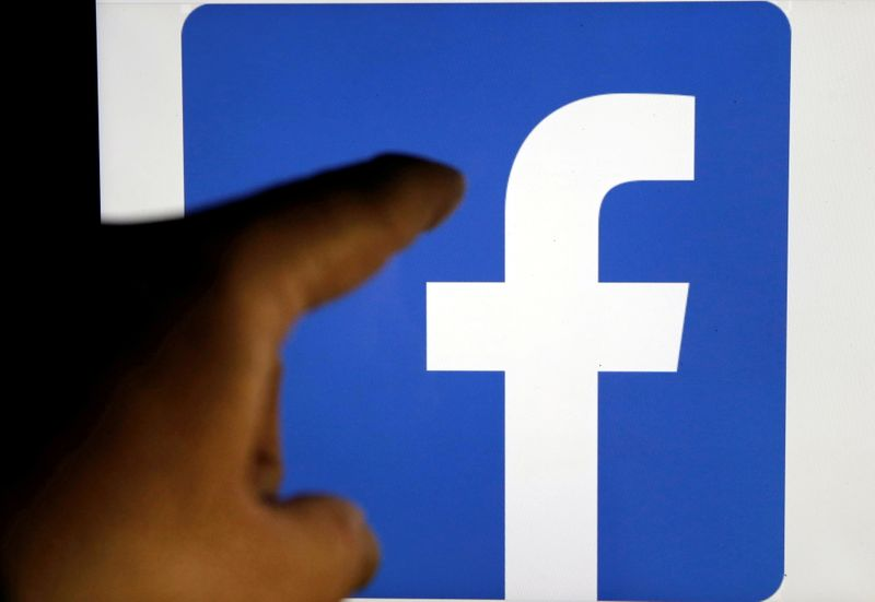 Russian court fines Facebook for failing to delete banned content