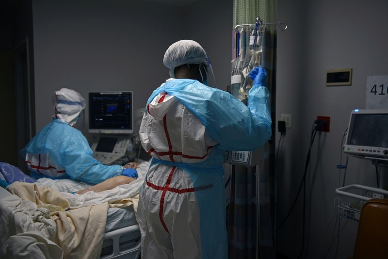 U.S. Labor Department issues emergency COVID-19 rule for healthcare workers